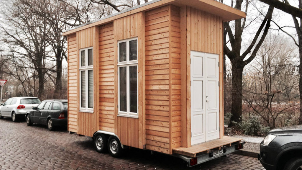 tinyhouse university berliner collective exploring tiny houses leonardo di chiara. Black Bedroom Furniture Sets. Home Design Ideas